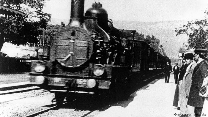 Frankreich Film Geschichte Filmszene Die Ankunft eines Zuges im Bahnhof von La Ciotat