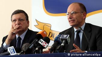 European Commission President Jose Manuel Barroso (L) and Italian Prime Minister Enrico Letta during a joint news conference in Lampedusa, Italy, (Photo: EPA/CORRADO LANNINO)