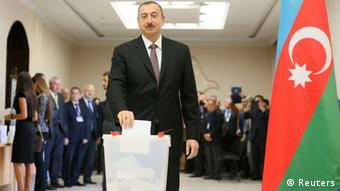Azerbaijan's President Ilham Aliyev casts his vote in 2013 (Photo: REUTERS/tringer)