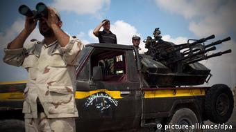Makundi ya wapiganaji wakati wa uasi uliompinduwa Gaddafi 2011.