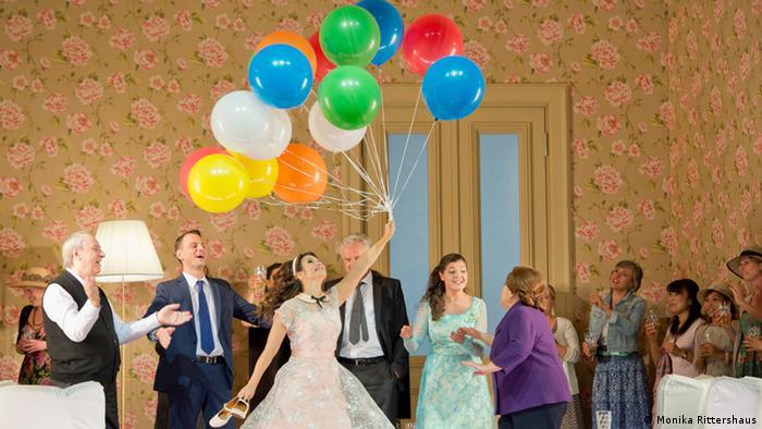 Мир еще прекрасен: помолвка Марфы (Ольга Перетятько) и Лыкова (Павел Чернох)