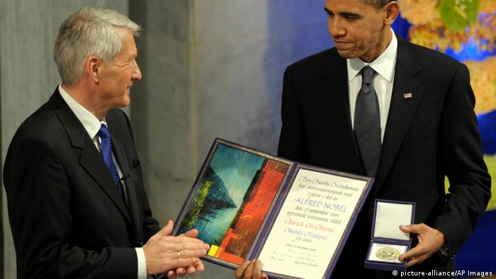Barack Obama is awarded the Nobel peace prize (picture-alliance/AP Images)