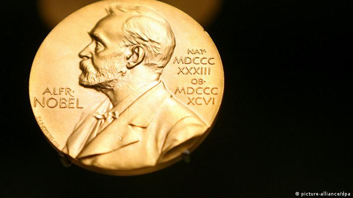 A Nobel prize medal (picture-alliance/dpa)