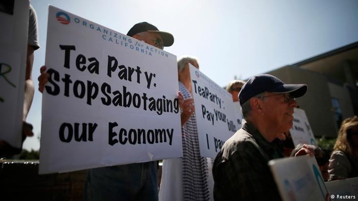 Tea Party protest against the US government shutdown (Photo: REUTERS/Lucy Nicholson)