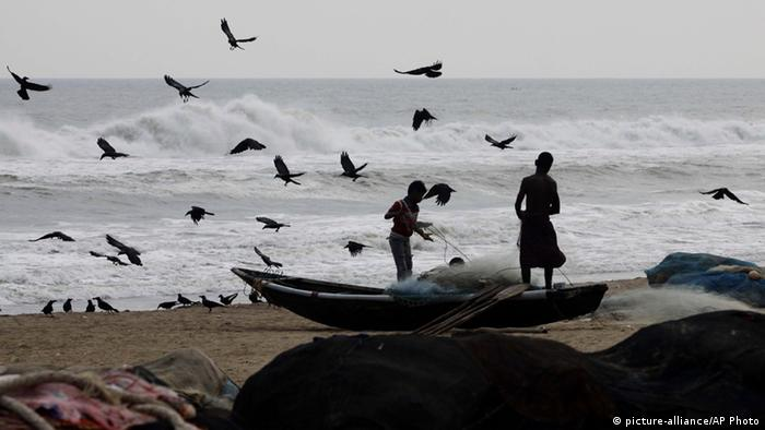 Indian fishermen on the Bay of Bengal coast .Photo AP