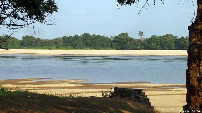Lambaréné - on the Ogooué River: malaria is a constant threat here (Photo: Gaia Manco)