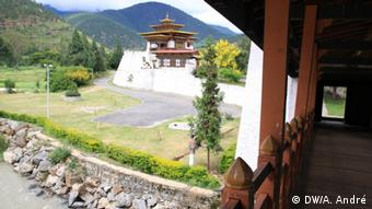The Punakha Dzong, a 17th century fortress, has been renovated after it was damaged during the 1994 floods Copyright: DW/Aletta André