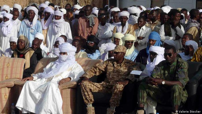 Tubu und Tuareg Würdenträger und Militärs (hier bei einem Volksfest in Murzuq im April 2013) (Foto: Valerie Stocker)
