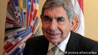 El Premio Nobel de la Paz Óscar Arias.