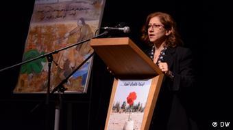 ایرندخت انصاری: دادخواهی ما وسیله ایست برای اینکه جامعه ایران بتواند با خشونت تعیین تکلیف کند
