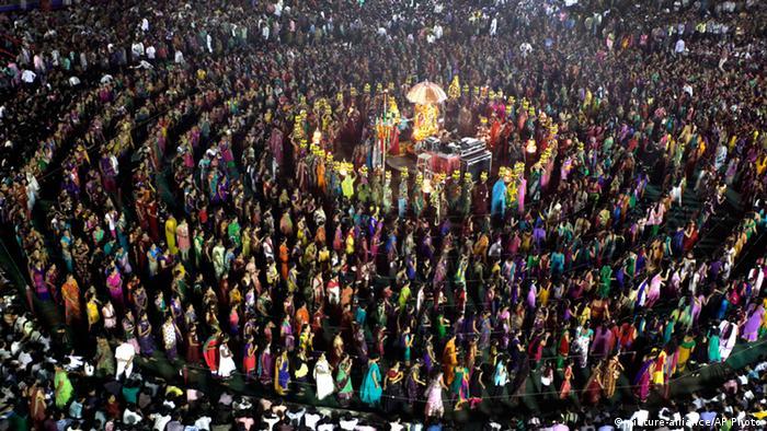 Indien Durga Puja 2013 (picture-alliance/AP Photo)