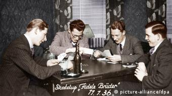 Men playing skat, members of a skat club in 1936