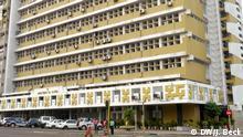 Sitz des Gesundheitsministeriums Mosambiks, des Ministério da Saúde, in der Avenida Eduardo Mondlane (Ecke Avenida Salvador Allende). Am 6.11.2012 in Maputo, Mosambik zugeliefert und fotografiert von: Johannes Beck