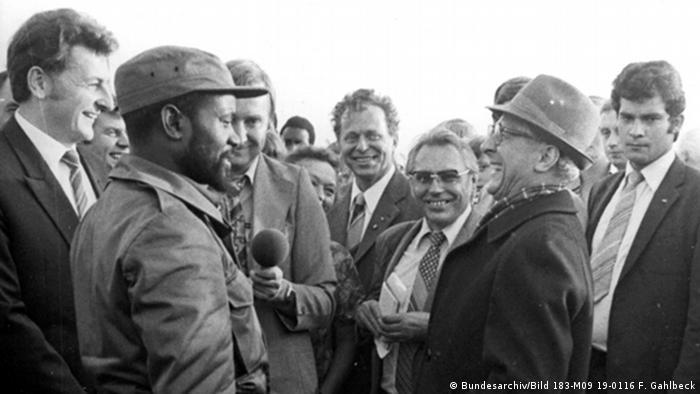 DDR Afrika Erich Honecker mit Besuch aus Mosakbik