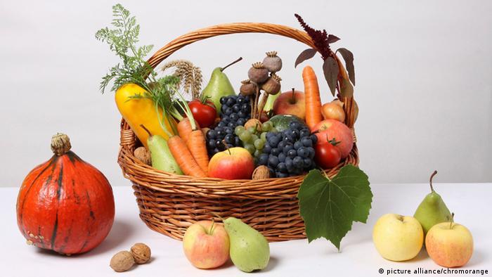 Obst und Gemuesekorb
