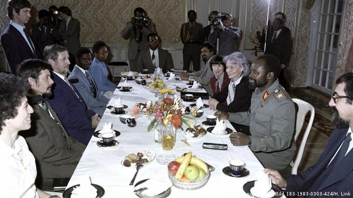 DDR Afrika Besuch aus Mosambik Samora Machel bei Margot Honecker