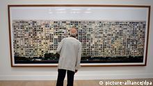 Andreas Gursky - Paris, Montparnasse ausgestellt in Japan