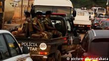 Angola Polizeipatrouille in Cabinda