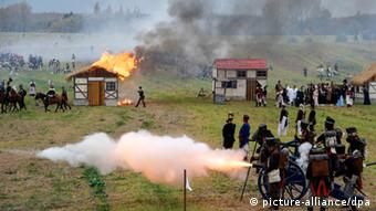 A group reenacts the Battle of Lepizig (C) picture-alliance/Dpa