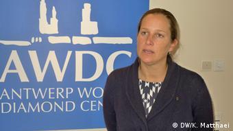 Caroline De Wolf, spokesperson for the Antwerp World Diamond Center Copyright: DW/Katrin Matthaei