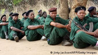Fighters of former Mozambican rebel movement Renamo receive military training (Photo:Jinty Jackson/AFP/Getty Images)