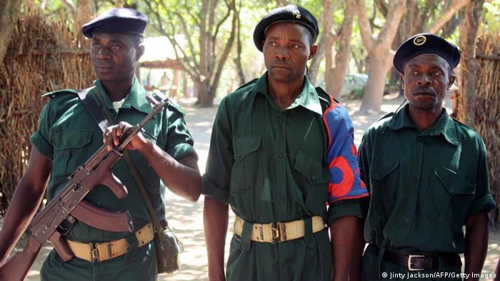 Mosambik RENAMO Rebellen im Gorongosa Gebirge 2013
