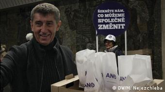 Andrej Babis im Wahlkampf (Foto: DW/M. Nejezchleba)