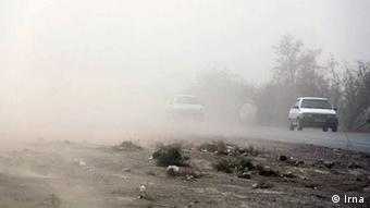 خشکسالی طولانی، حفر دهها هزار حلقه چاه مجاز و غیرمجاز و برداشت بیرویه و بیش از ظرفیت تجدیدپذیری ذخایر آبی کشور از عوامل شناختهشده بحران آب در ایران است