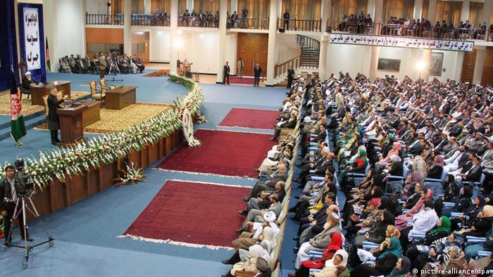 Afghanistan Loya Jirga 16.11.2011 (picture-alliance/dpa)