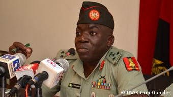 General Ibrahim Attahiru, Sprecher der nigerianischen Armee (Foto: Katrin Gänsler, DW)
