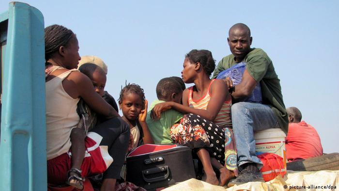 O conflito político-militar em Moçambique provocou centenas de deslocados (22.10.2013)