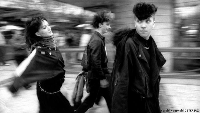 Punks in Berlin (©Harald Hauswald-OSTKREUZ)