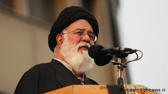 احمد علمالهدی، امام جمعه منتخب رهبر جمهوری اسلامی در مشهد میگوید، اگر طرفداران بهبود رابطه با آمریکا موفق شوند ما همه چیز را از دست خواهیم داد