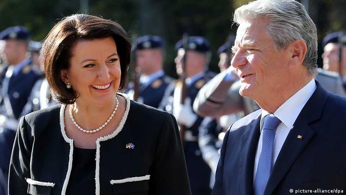 Bundespräsident Joachim Gauck empfängt Atifete Jahjaga