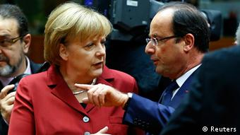 Germany's Chancellor Angela Merkel talks with France's President Francois Hollande, Photo: Reuters