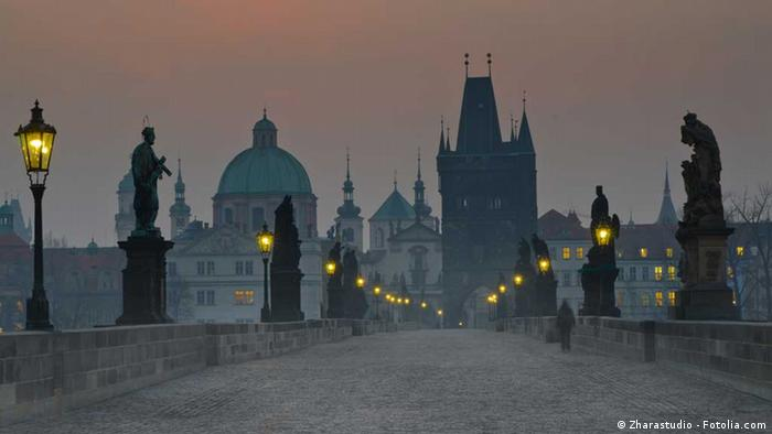 Charles Bridge, Prague © Zharastudio