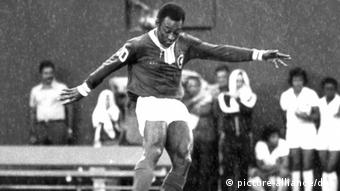 Pele plays for Cosmos New York in the last game of his career, Giants Stadium, New York, October 1, 1977