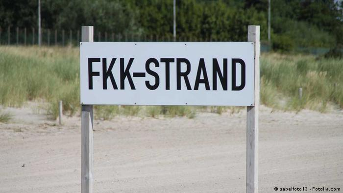 FKK-Strand sign indicating a nude beach, Copyright: sabelfoto13 - Fotolia.com
