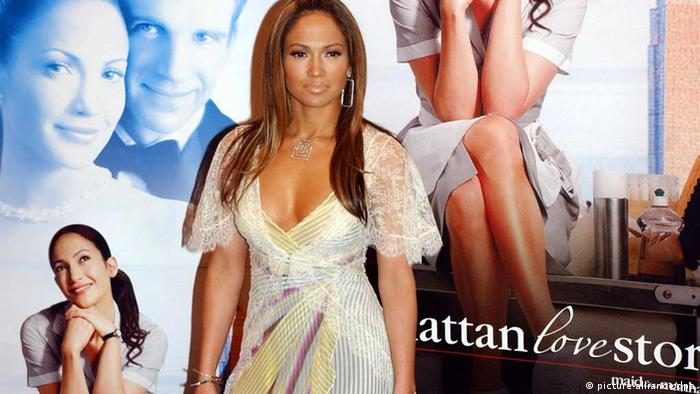 Jennifer Lopez in Berlin at the premier for her movie Maid in Manhattan, which is called Manhattan Love Story in German