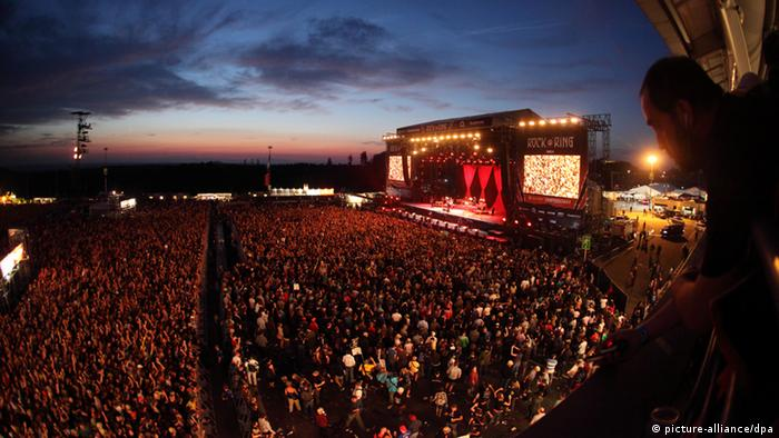 Rock am Ring fans in front of the stage