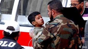 بنا به گزارش گروه تحقیقاتی آکسفورد بیش از دو سوم کودکان قربانی توسط بمب، آتش توپخانه یا در پی حملات هوایی کشته شدهاند