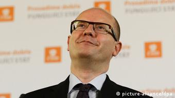 epa03925809 Czech Social Democratic Party leader Bohuslav Sobotka during a press conference at his party headquarters during the second day of the Czech Republic's parliamentary election in Prague, Czech Republic, 26 October 2013. The Social Democrats appear to have won most votes in the parliamentary election in the Czech Republic, near-final results showed 26 October. EPA/FILIP SINGER