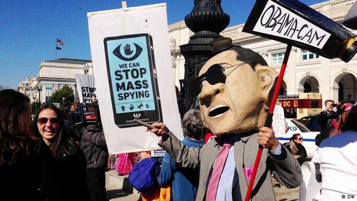 US-Bürger demonstrieren in Washington gegen die Überwachung durch die Geheimdienste (Foto: Monika Griebeler / DW)