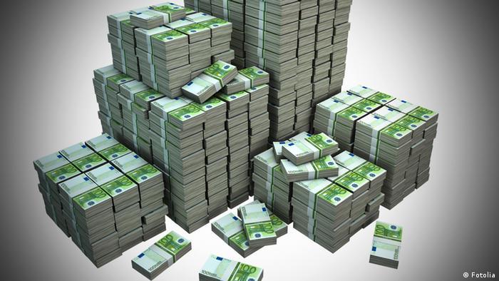 Symbolbild Staatsschulden Staatsverschuldung Schulden Geldhaufen Euro
