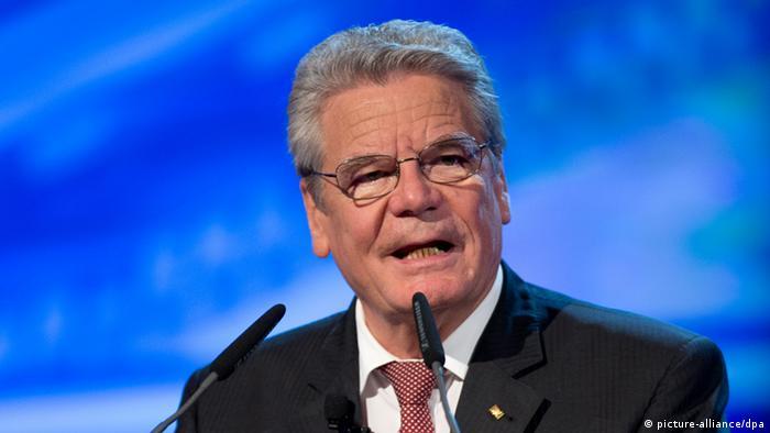 German President Joachim Gauck during a speech (c) picture-alliance/DPA