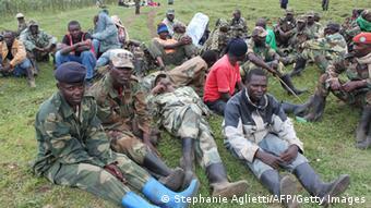 Wanajeshi wa Kongo wakipumzika baada ya vita vya kuwafurusha M23 mashariki mwa nchi hiyo.
