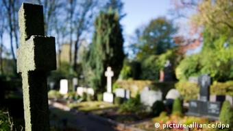 Friedhof im Herbst (picture-alliance/dpa)