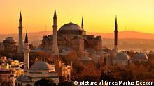 Hagia Sophia in Istanbul bei Sonnenaufgang (Foto: picture-alliance/Marius Becker)