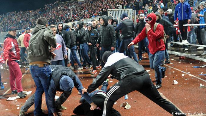 Russische Hooligans: Prügeln fürs Vaterland