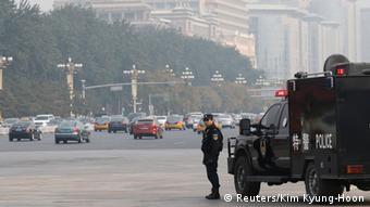 Polizeieinheit - Tiananmen Platz in Peking